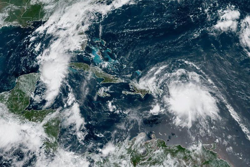 Rare Twin Storms Heading Toward Southern States 1