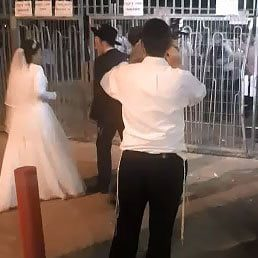 """WATCH THIS! What Happens When A Bochur In A """"Capsule"""" Misses His Sister's Wedding?"""