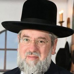 He is With Us: By Rabbi Pinchos Lipschutz