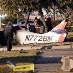 2 Killed When Plane Crashes Along Texas Service Road