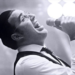 Watch: Yaakov Shwekey Shares 'the Story Behind the Song' During Visit to ArtScroll