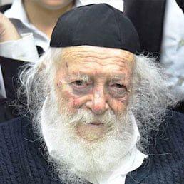 "Exclusive Video: Maran Reb Chaim shlit""a Explaining to his Student, Reb Uri Tigger Shlit'a"