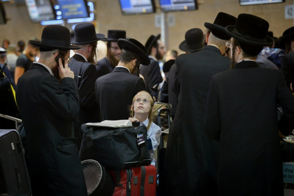 Israel Halts Inbound and Outbound Flights to Curb Spread of COVID Variants 1