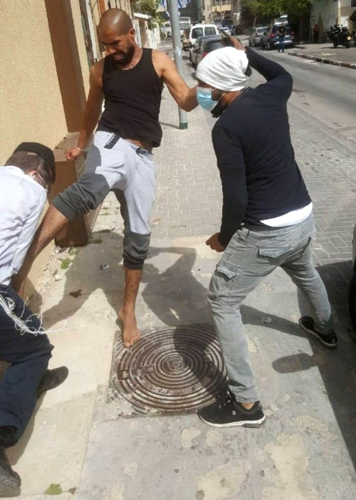 Jaffa Rosh Yeshiva Kicked And Beaten By Local Arabs. Bennett: 'Humiliation And National Disgrace' 11