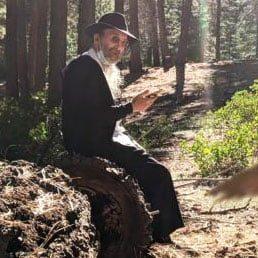Airport Security Officer Tells Jewish Traveler Rabbi Twerski Saved His Life