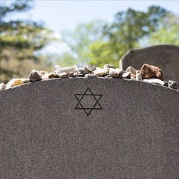 Texas Jewish families faced agonizing waits to bury loved ones. This law will change that.